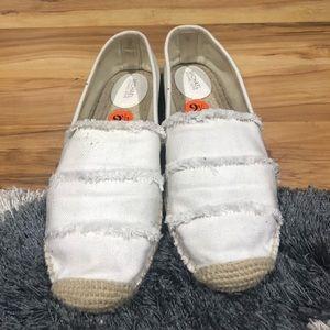 Michael Kors Shoes - Michael Kors spadrilles size 91/2 perfect conditi